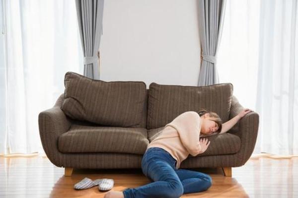 手足のだるさ、カラダがダル重~いのは、神経の疲れが原因かもしれません。